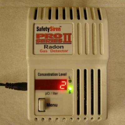 Radon gas détector